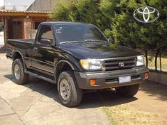 Vendo excelente Pickup Toyota TACOMA 1,999