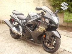 Vendo Impresionante moto Suzuki GSXR1300 2,008